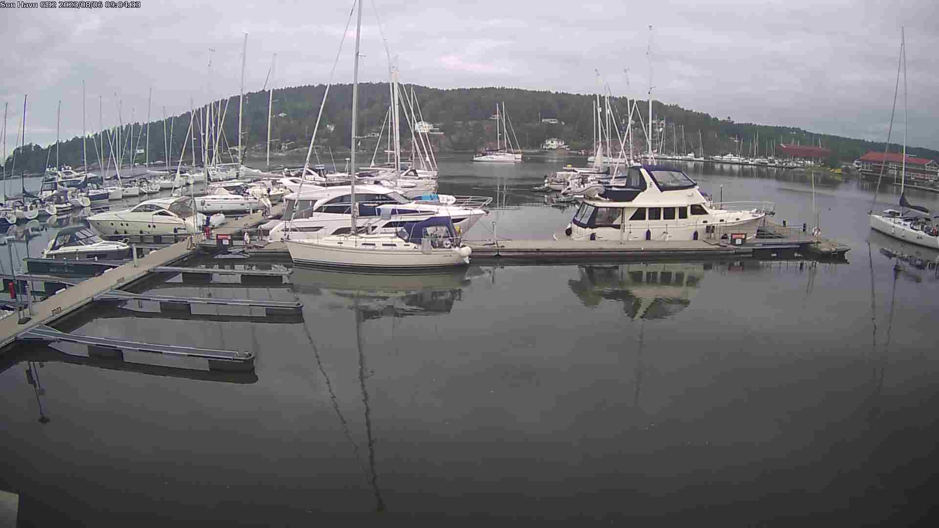 Son Gjestehavn - Indre havnebasseng foran havnelageret